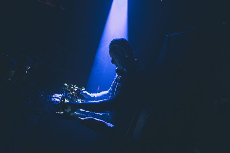 Mirka Divoká | darkroomvisitor | darkroomvisitor.cz | DJ Hell