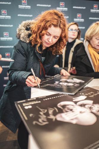 Mirka Divoká   darkroomvisitor   darkroomvisitor.cz   Mrkej a pomáhej   Fashion Arena Prague Outlet