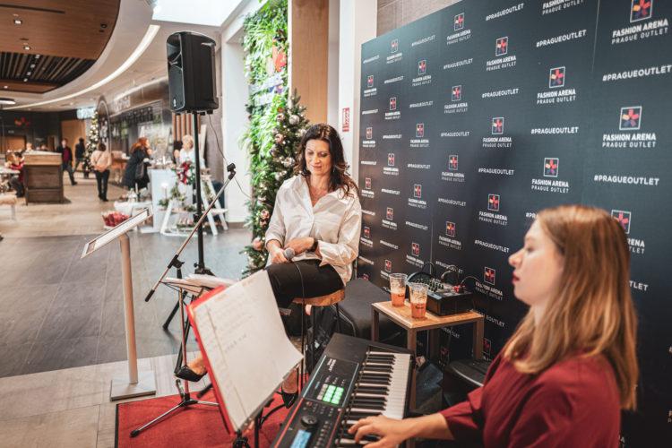 Mirka Divoká | darkroomvisitor | darkroomvisitor.cz | Fashion Arena Prague Outlet